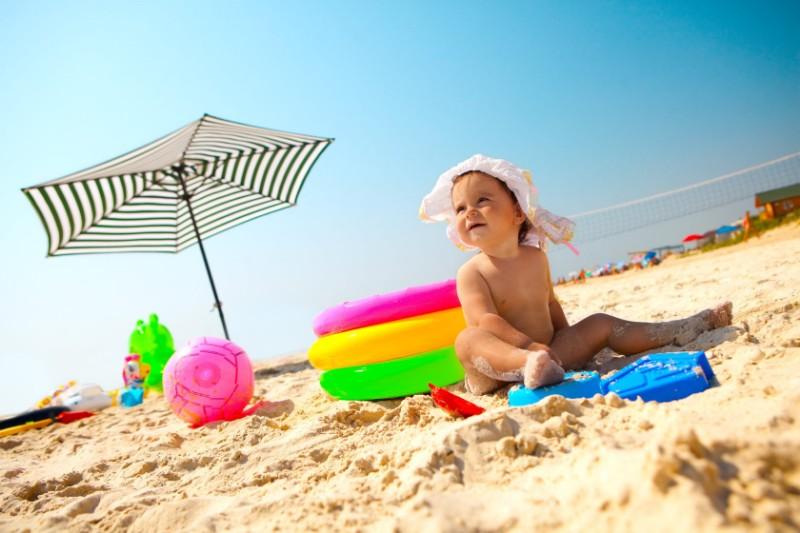 baby_on_beach