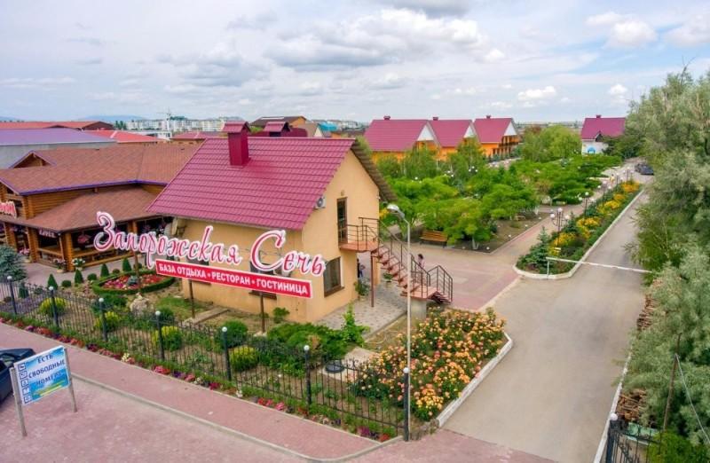 baza-otdykha-zaporozhskaya-sech-fotografii-territorii-feodosiya-beregovoe-1