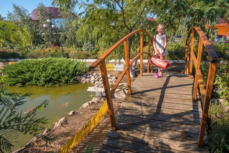 baza-otdykha-zaporozhskaya-sech-fotografii-territorii-feodosiya-beregovoe-3