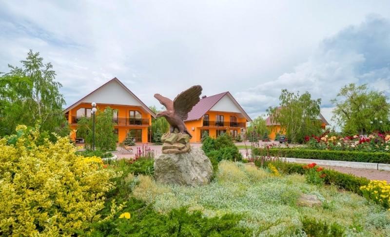 baza-otdykha-zaporozhskaya-sech-fotografii-territorii-feodosiya-beregovoe-6