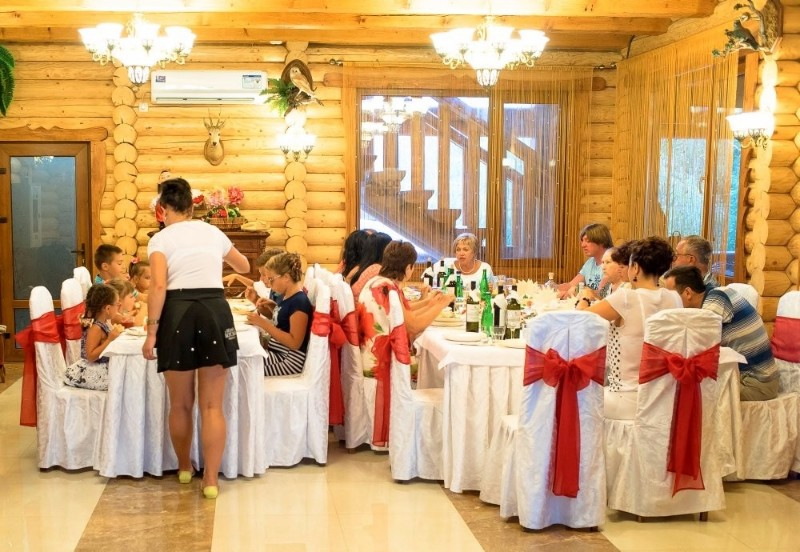 baza-otdykha-zaporozhskaya-sech-restoran-kazachek-beregovoefeodosiya-4