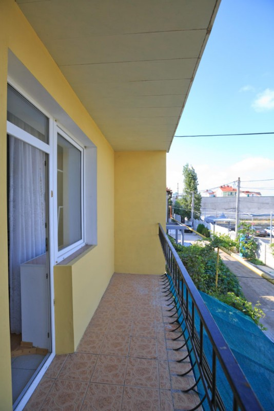 feodosia_eling_1nomer_balkon_sm-683x1024